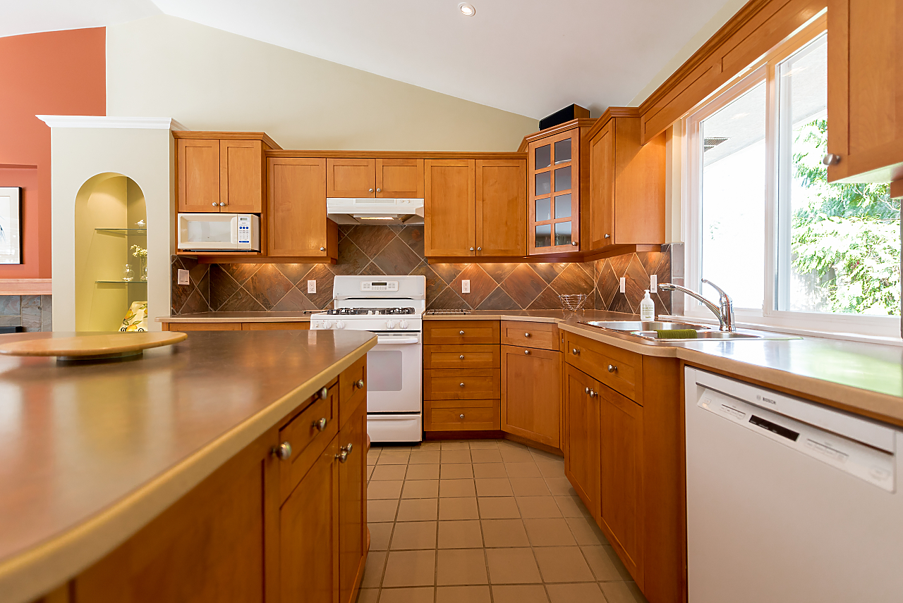 Stunning Family Home On Browning Place Rent Vancity